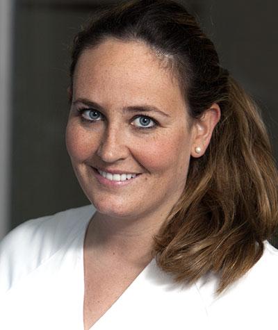 Ortodoncia invisible en Alcorcón y Móstoles Invisalign - Clínica Stoma - Doctora Ana Oteo